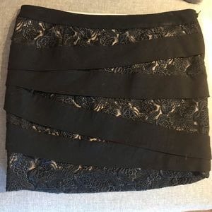Bebe Sexy lace Black and cream skirt size 2